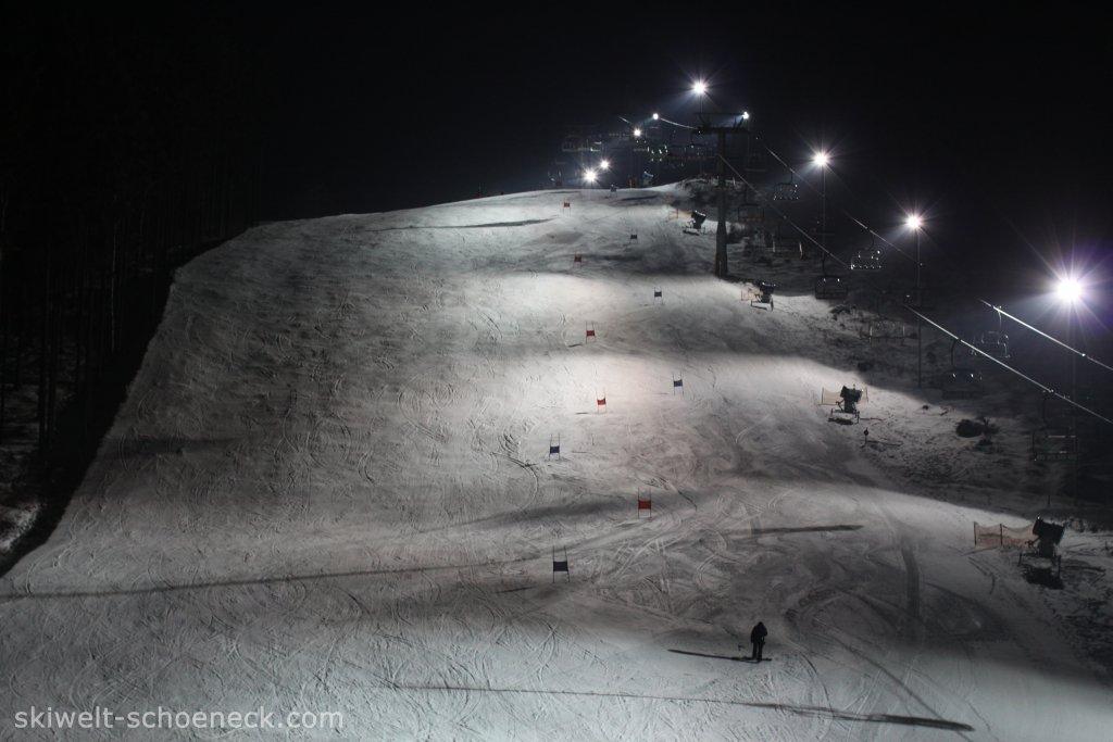 http://www.skiwelt-schoeneck.de//templates/skiwelt/images/Galeria/IMG0621.JPG